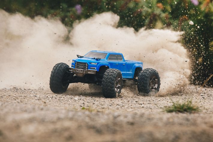 Big Rock Crew Cab 4x4 3S BLX Brushless Monster Truck | ARRMA